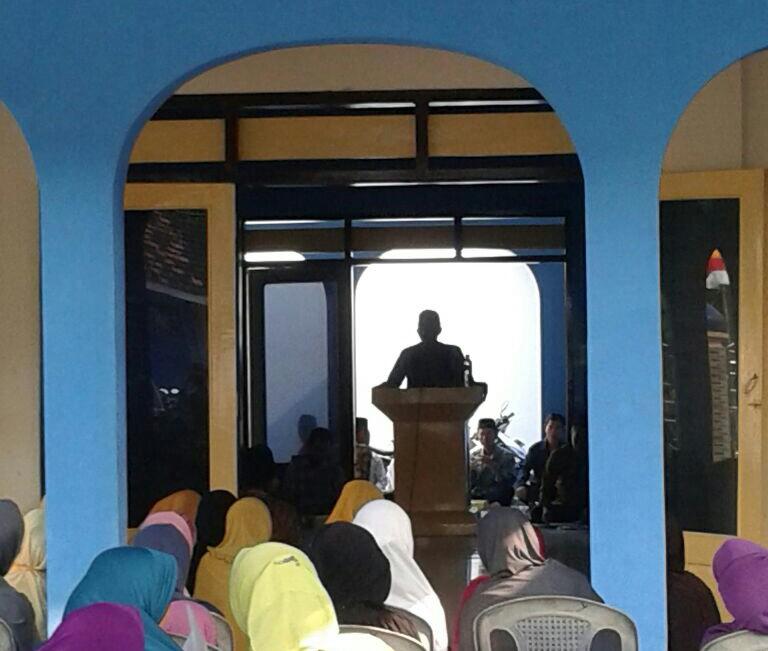 KH Abdul Hamid Muhanan LC, Wakil ketua PDM Lamongan saat pengajian PCM Sukodadi