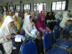 Seminar nasyiatul aisyiyah di gedung pdm lamongan