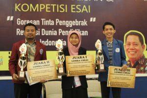 kompetisi-esai-jawa-timur