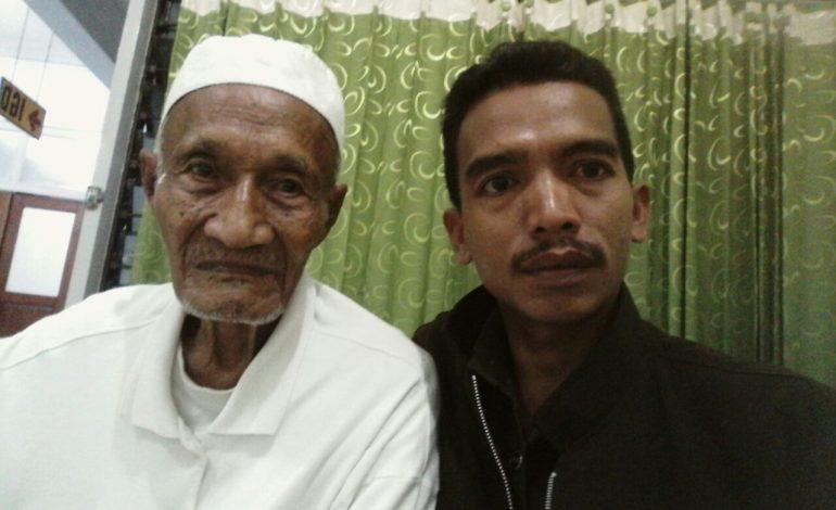 Mengenal Sosok Mbah Umar, Si Tua Keladi